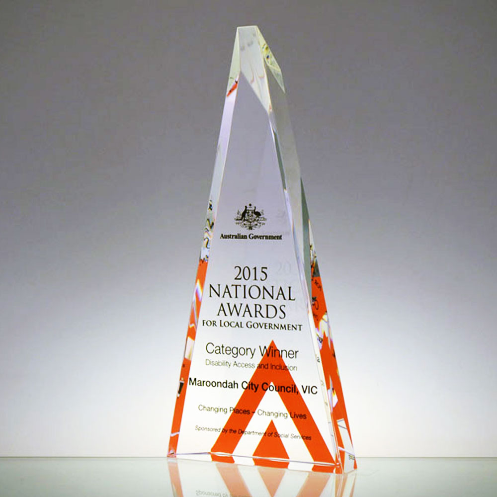NALG Triangle award by Etchcraft
